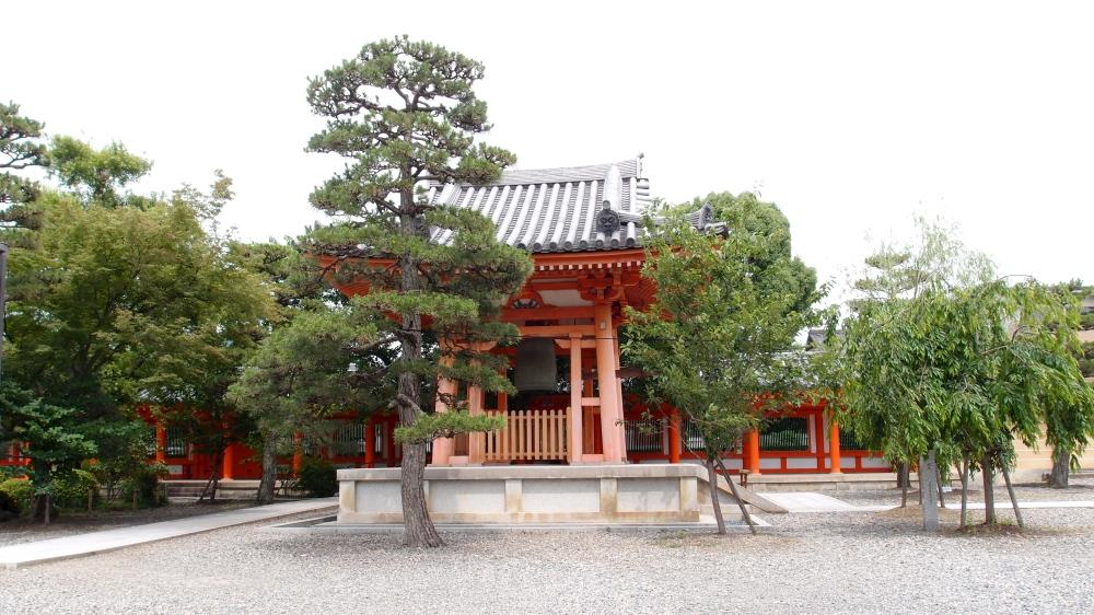 Sanjusangendo Temple (三十三間堂)